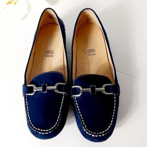 Liz Claiborne navy blue suede flat shoes
